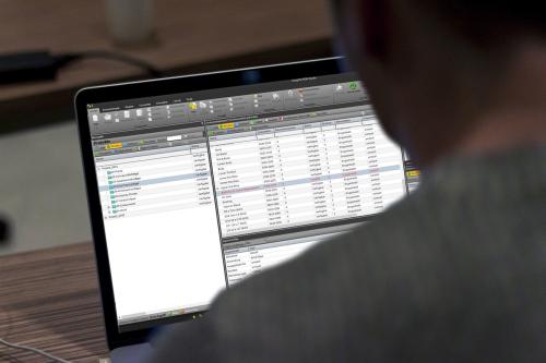 PDM Studio Ansicht auf einem Notebook